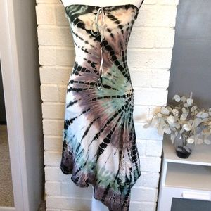Dresses & Skirts - Pretty Strapless Tie Dye Asymmetrical Dress